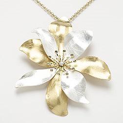 FlowerNecklaceD